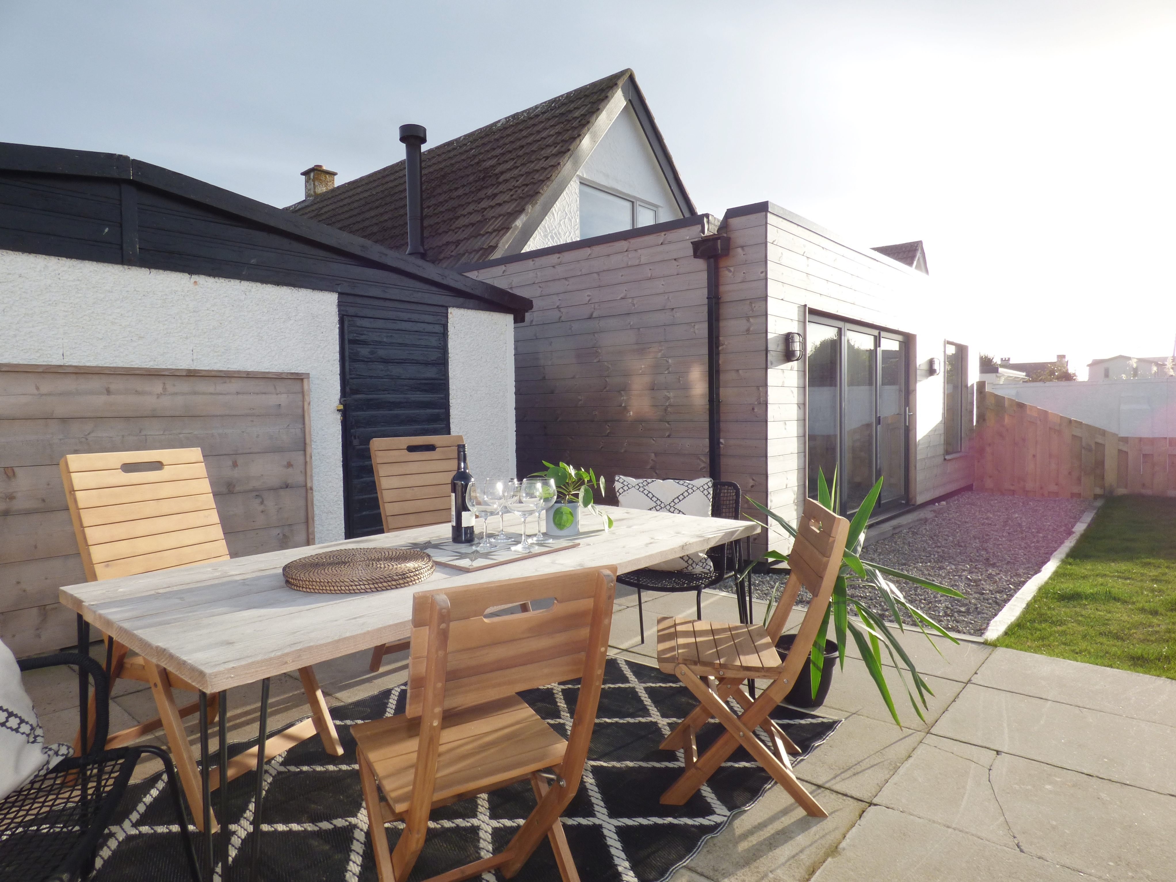 BBQ, Fire Pit and outside dining space - Sea views